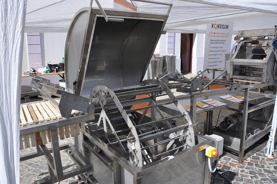 Автоматизация ручного труда в пчеловодстве от компании Konigin